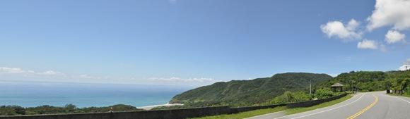 公路上看花蓮牛山海灘全景1